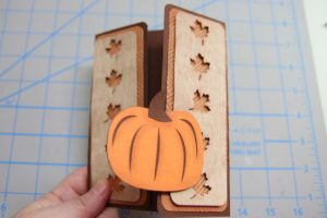 blog-fall-pumpkin-gatefold-card-3